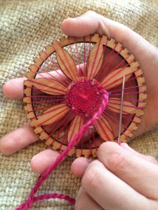 circle weaving loom